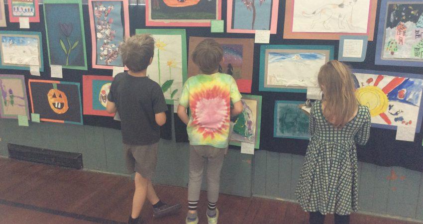 Div 1s Exploring the Art Show